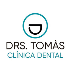 logo clinica dental doctors tomas